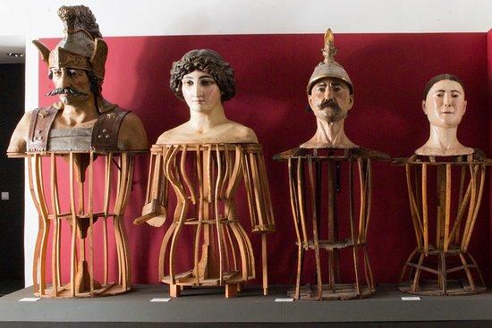 Los gigantes ocupan un puesto preferente en el Museu dels Sants.