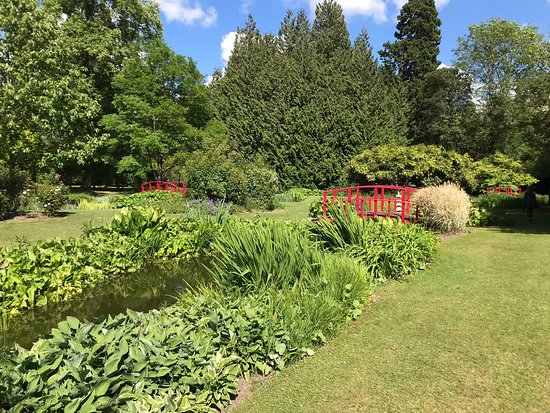 Wilton House: Garden views and the Egyptian obelisk