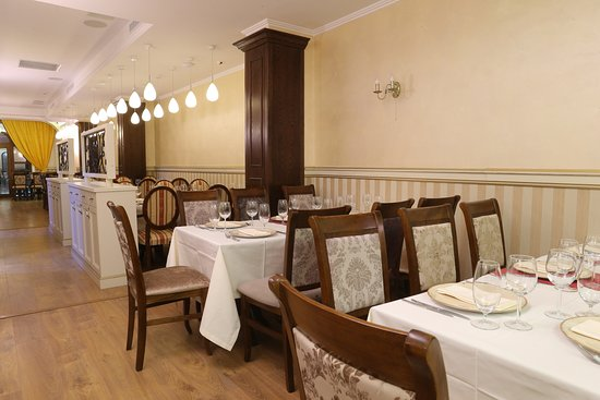 First-floor restaurant - Perfect for intimate concerts, private events and corporate parties