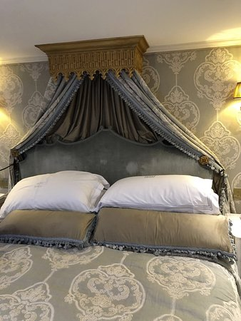 S.S. Maria Theresa: Amazing Bed!