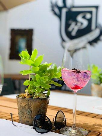 Stapferstube da Rizzo: Summerfeelings @Terrace Stapferstube mit Rizzo Gin