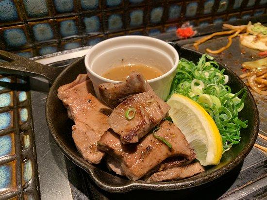 심야에 일본고유의 분위기와 맛을 느낄 수 있는 식당