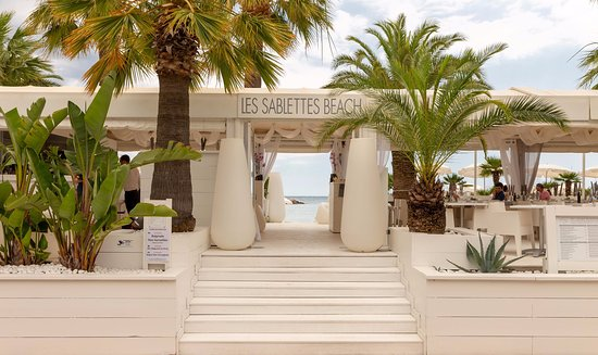 Les sablettes beach menton restaurant bewertungen - Hotels in menton with swimming pool ...