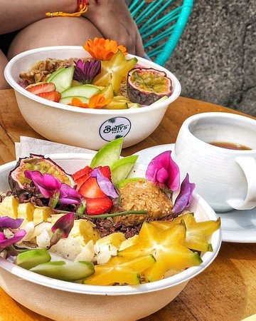 Betty's Bowls: .