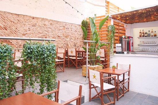 Que S Hi Cou Badalona Restaurant Reviews Photos Phone