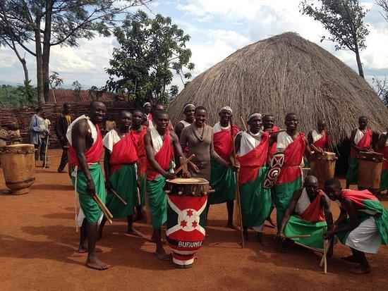Gitega Province, Burundi: Les tambours sacrés. Visite à Gitega.
