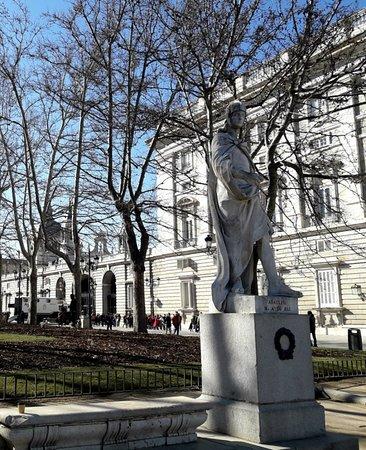 Estatua Ataulfo
