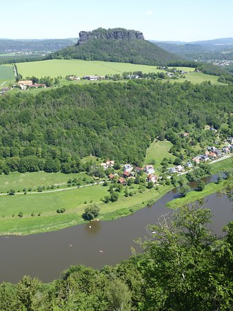 Blick auf die Elbe und auf den gegenüberliegenden Tafelberg. Etwas kleiner als die Kapstadter Ausgabe.