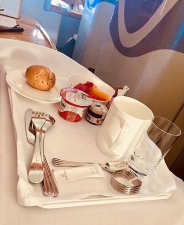 Emirates: Breakfast