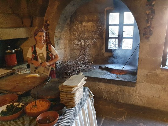 Museum Hotel: The nice young lady that cooked Gozleme