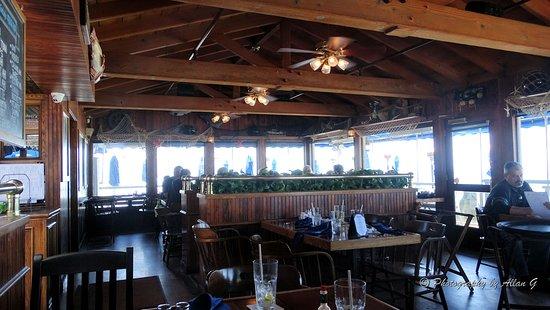 The Fisherman's Restaurant and Bar: Interior
