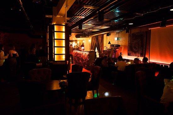Vinoqoor Lounge