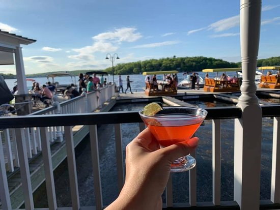 The Windlass: Grab a drink if there's a wait!