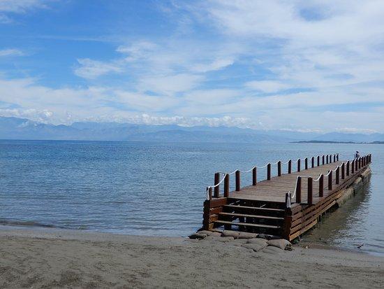 Roda Beach Resort & Spa: Vue du bar de la plage