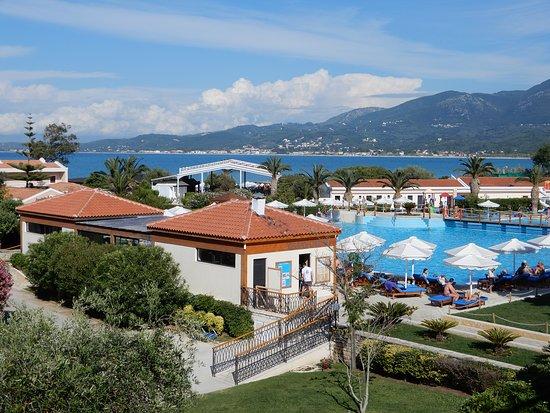 Roda Beach Resort & Spa: Vue de notre chambre