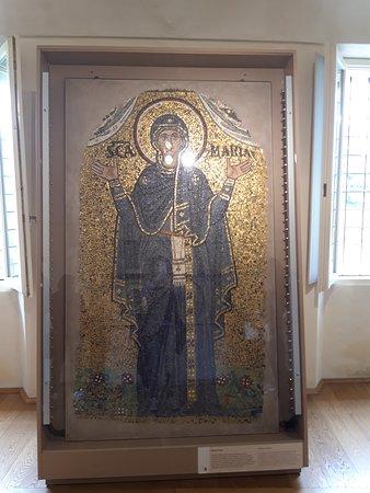 Archiepiscopal Museum: Sala dei mosaici - la Vergine Orante
