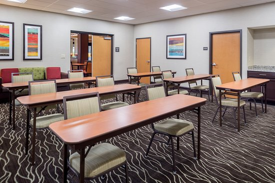 Hampton Inn San Antonio - Northwoods: Dynamic meeting space for trainings, board meetings, or intimate social gatherings.