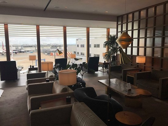 Finnair: A350 LHR-HEL / Cathay Pacific Business Class Lounge LHR