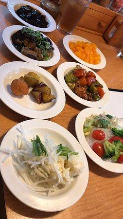 豚ロースすき焼定食 と サラダ&惣菜バー食べ放題定食 (2019/06/07)