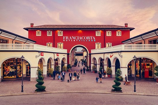 Bergamo的Franciacorta Outlet...
