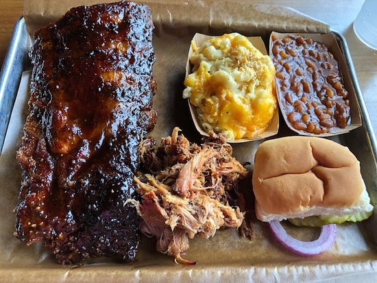 Ribs, pulled pork, beans and mac & cheese