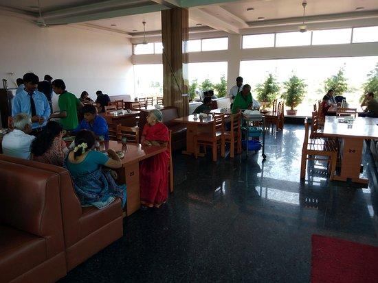 Dhruvathare Pure Veg: Inside the Hotel