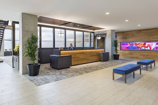 SpringHill Suites by Marriott Madison: Lobby