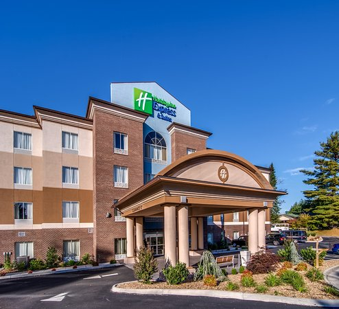 Holiday Inn Express and Suites Wytheville: Exterior