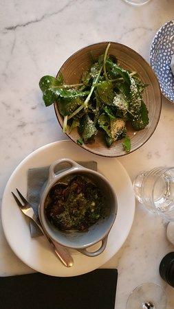 Escargots in garlic-parsley-oliveoil