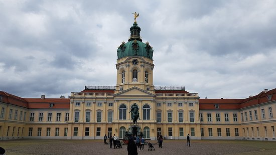 Charlottenburg Palace: พระราชวัง