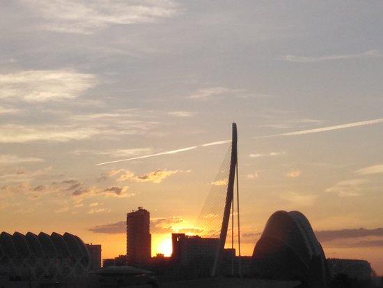 Hues of dawn from the room. Holiday Inn Express Valencia-Ciudad