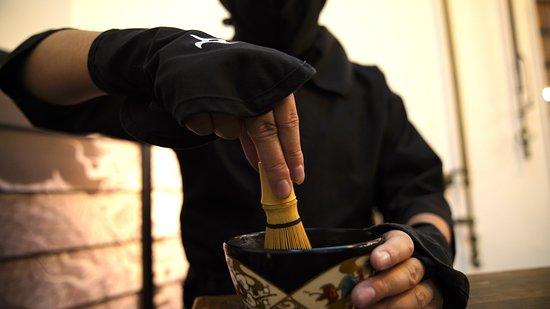 ninja makes japanese green tea