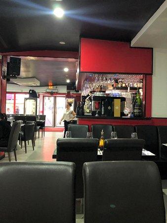 Une partie de la salle restaurant
