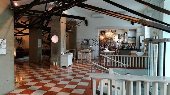 Grand Hôtel Wiesler Graz: Hotel Wiesler, Lobby mit Restaurant im Hintergrund
