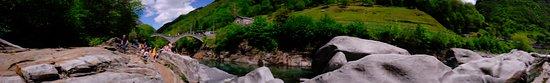 Lavertezzo, Schweiz: Ponte dei Salti