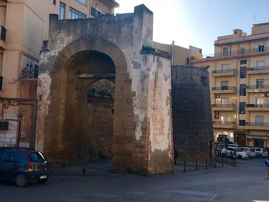 Porta San Salvatore