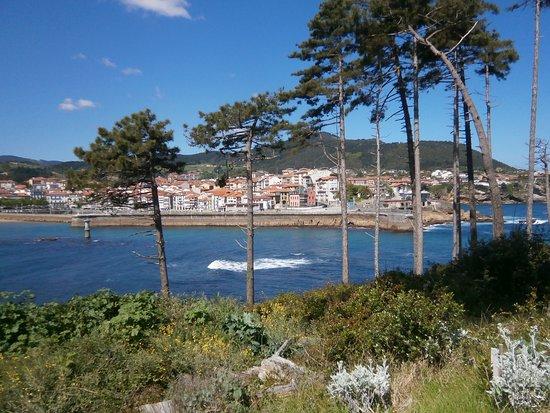 Lekeitio vanaf eiland gezien