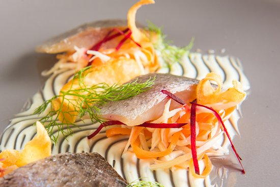 Trota del Piave affumicata, topinambur e carpione di carota