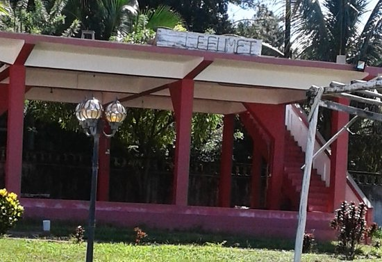 "Soanierana - Ivongo, Madagaskar: "" Le FUMET "" Restaurant, Bungalow & Chambres  R.N. 5 à SOANIERANO-IVONGO"