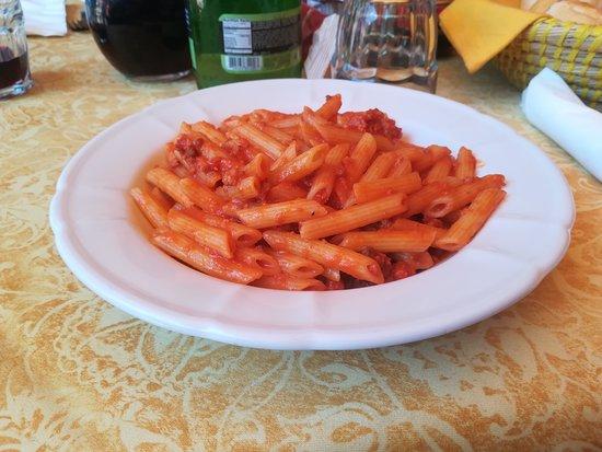 Paitone, Italia: PASTA AL RAGU'