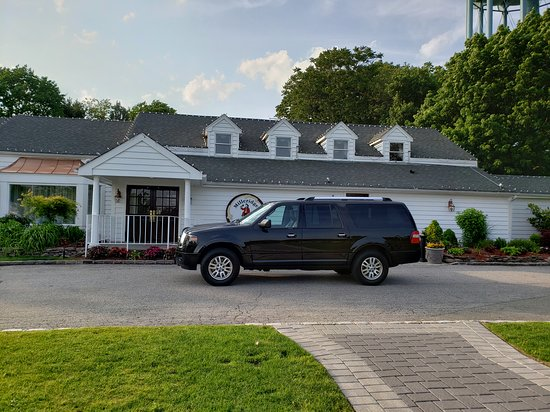 Jericho Taxi And Airport Service: Long Island Airport Shuttle Service Jericho NY 11753