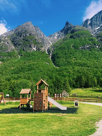‪‪Trollstigen Camping and Guesthouse‬: small kids playground‬