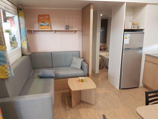 Puybrun, Francia: intérieur mobil home luxe