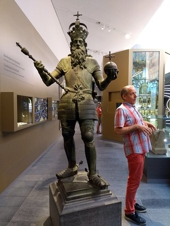 Our guide next a statue of Charlemagne made hundreds of years after his death. The German guide spoke Dutch fluently!