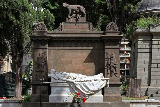 Tomb with sculptures