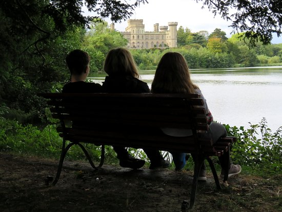 Taking a break whilst walking the grounds Eastnor Castle (09/Sep/18).