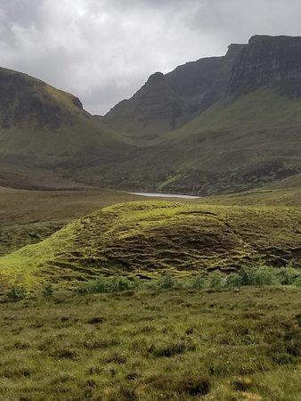 Tour de 4jours dans les Highlands de l'Ouest et l'île de Skye au départ d'Édimbourg : Quiraing area with more amazing views