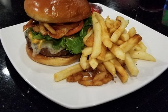 Feasterville, PA: Brady burger and fries