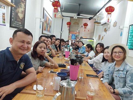 Royal Saigon Restaurant: Always nice to see our guests happily enjoying at Royal Saigon