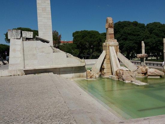 Monumento de Evocacao ao 25 de Abril